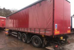 SDC<br>Rear steer curtainsider. With Moffat bkt